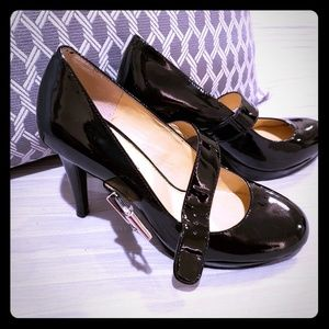 Gianni Bini Size 7 Black Heels